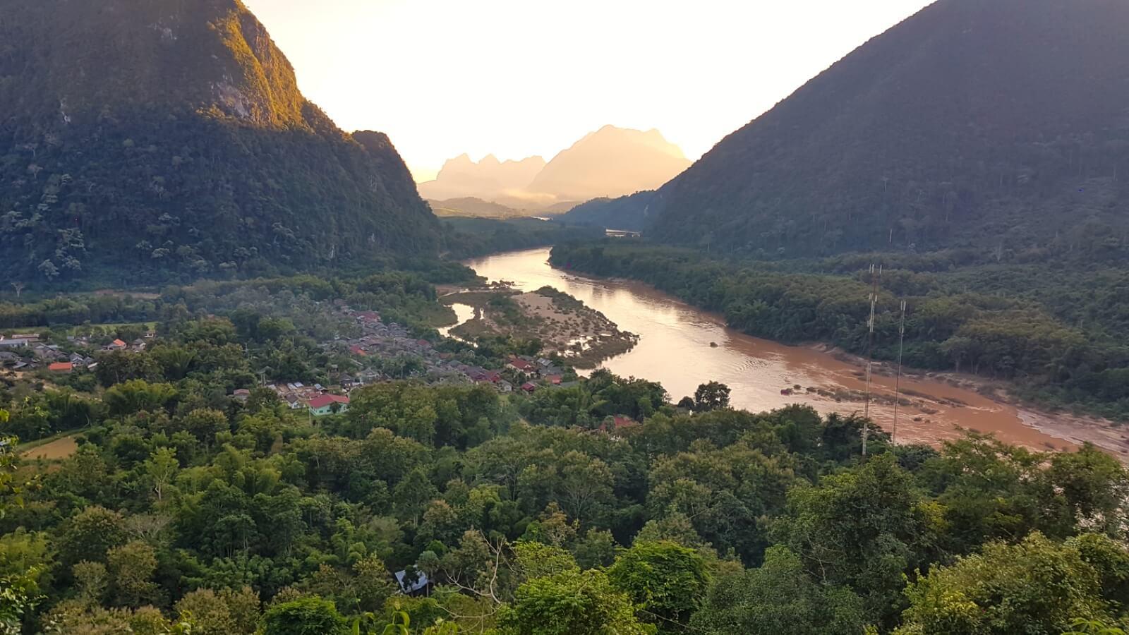 Muang Ngoi - Wanderungen und der zauberhafteste Ort in Laos